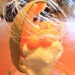 自家製生パスタとパフェ Pastorante OHANA - 綿菓子のようなものを身にまとって