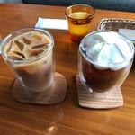 68595659 - カフェオレとウィンナーコーヒー