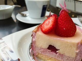 アステリスク - ケーキの断面〜♫ 美しい!