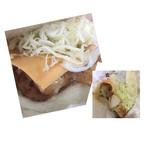 玄海バーガー 鮮 - 白身魚にイカフライがメイン