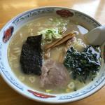 元祖ラーメンショップ - 料理写真:特製ラーメン(¥550)ジャンボ(¥180)