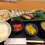 68610046 - 焼魚定食(黒ムツの西京焼き)860円