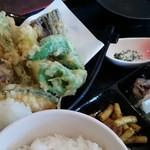 新鮮居酒屋 かずき - 鱧と野菜の天ぷら定食
