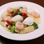 有楽 - 野菜と二種類海鮮の炒め