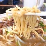 手打らーめん 勝龍 - ドッカンラーメン麺リフト