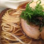 Japanese Soba Noodles 蔦 - 自家製麺とイベリコ豚の煮豚
