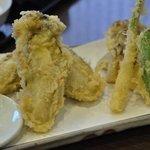 手打ち蕎麦 湖庵 - 牡蠣の天ぷら
