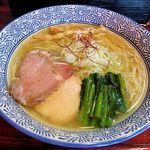 麺処 善龍 - 料理写真:麺処 善龍(淡麗塩そば 730円)