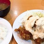 キッチンまつむら - チキン南蛮定食680円
