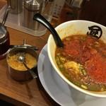 68628721 - 台湾焼き麺-辣油一味ニンニク投入