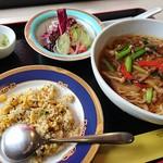 中国馳走ただしの厨 - 料理写真:あんかけスープ麺とジャコチャーハン
