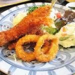 食堂 松月 - ミックスフライ定食(車海老入り)1,430円 。
