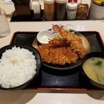 松のや - 料理写真:ロースカツ&海老フライ2尾定食 ごはん大盛  850円