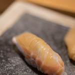 鮨 猪股 - 鱸(すゞき)、七日熟成(なぬかうらし)