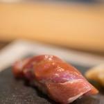 鮨 猪股 - 鮪(しび)肥肉(あぶらみ)、五日熟成(いつかうらし)