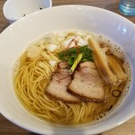 実垂穂 - 無添加魚介出汁の中華そば・塩