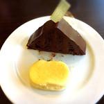 リビエール - ピラミッドと半熟チーズ