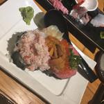 魚真 - 名物!のっけ寿司