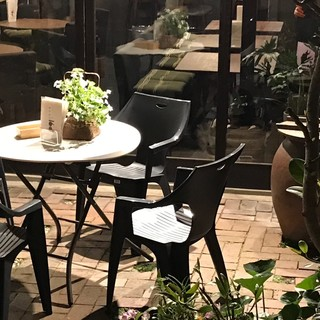 くつろぎの中庭オープンテラス