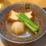 徳多和良 - かぶと厚揚げの煮物