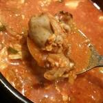 68648847 - 純豆腐チゲ、牡蠣も入ってます。