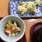 68650343 - 天ぷらと漬物