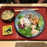 山形酒菜一 - 鶏丼+味噌汁