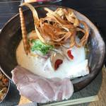鶏soba 座銀  - 鶏soba並(燻製玉子トッピング)