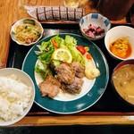 割烹小料理 亀八 - 料理写真:まぐろのほっぺフライ