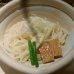 68669556 - もつカレーつけ麺の麺です。                       麺が白いのはかんすいを使ってないからです。