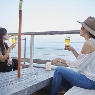 東京湾が一望できるロケーション&テラス席