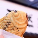 鳴門鯛焼本舗 - 料理写真:たい焼き(十勝産あずき)@税込173円