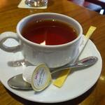 フランツィスカーナー バー&グリル - 紅茶