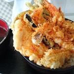 68672619 - 天丼(海老・イカ・サカナ・野菜数種)