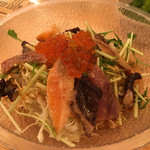赤羽OK横丁 トロ函 - 海鮮サラダ