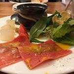 ア ビヤント  - 前菜付きのBランチの前菜 トマトのラビオリと大根の味噌バーニャカウダと、コンソメのロワイヤルなど…