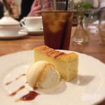ア ビヤント  - 選べるデザートはチーズケーキに…他にはピスタチオのアイスクリームや、ブラッドオレンジのシャーベットがあったかな♪
