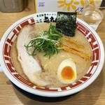 東京豚骨ラーメン 屯ちん - ラーメン680円