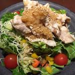 さくら - 豚しゃぶと彩り野菜のサラダ 650円