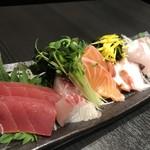 jidoriwashokukoshitsuizakayatorishin - 鮮魚のお造り 五種盛り 一人前730X2