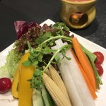 jidoriwashokukoshitsuizakayatorishin - 旬の野菜のバーニャカウダ 950円