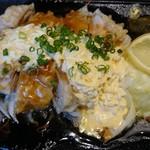 68684719 - 肉厚な鶏もも肉のチキン南蛮に、もやしやキャベツ、玉葱など野菜もしっかり