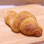 米粉パンのお店 ナオパンダ - 料理写真:発酵バターのクロワッサン