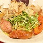 今日和 - ソーセージ、木の子、色々野菜の焦がし醤油味