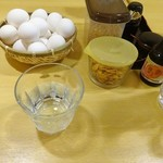 68692302 - テーブルセッティング、卵