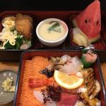 繁鮨 - 料理写真:ちらし(´∀`)定食