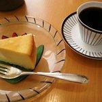 687706 - チョコ深ブレンドとチーズケーキ