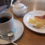 フランジパニ - コーヒーとベイクドチーズケーキ