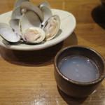 なかめのてっぺん - 桑名の蛤の酒蒸し(お通し)