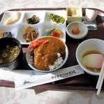 気仙沼プラザホテル - 料理写真:朝の和定食・朝からカレー